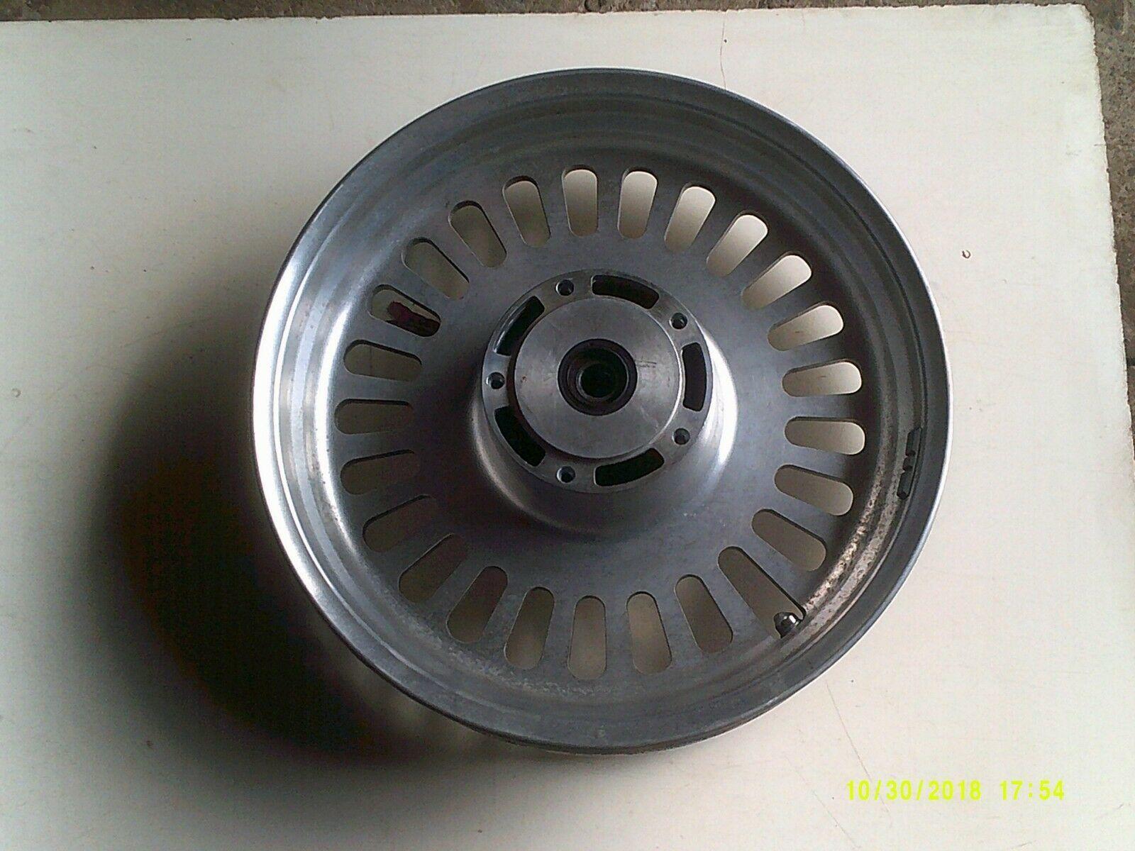 R3T wheel front 1.jpg