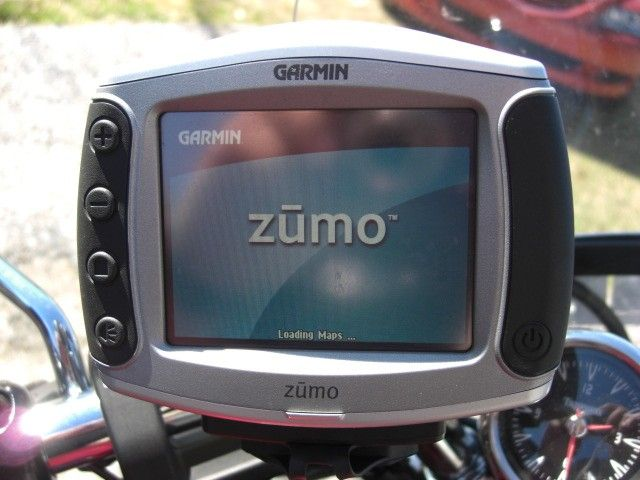 The Zumo 550 GPS itself